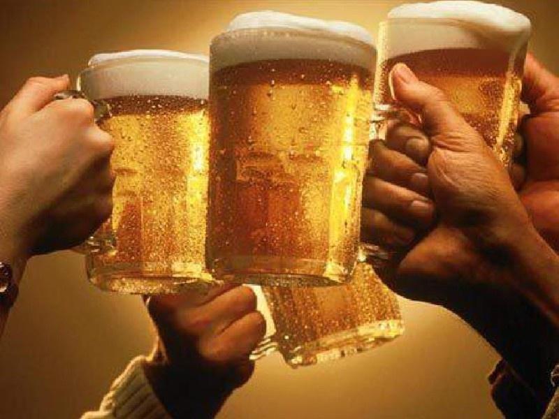 10 веселых игр с алкоголем