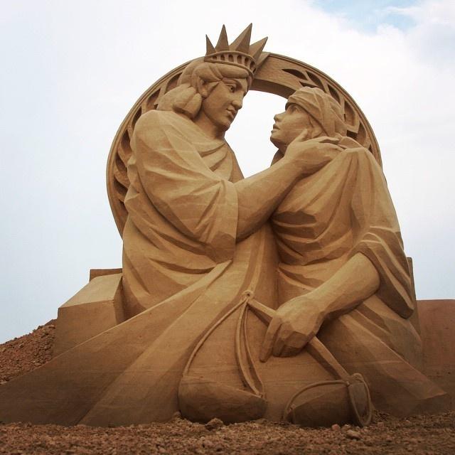 Необыкновенные скульптуры из песка