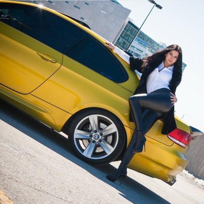 Автомобили и девушки (60 фото)