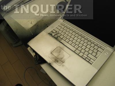 В одном из офисов взорвался ноутбук (7 фото)