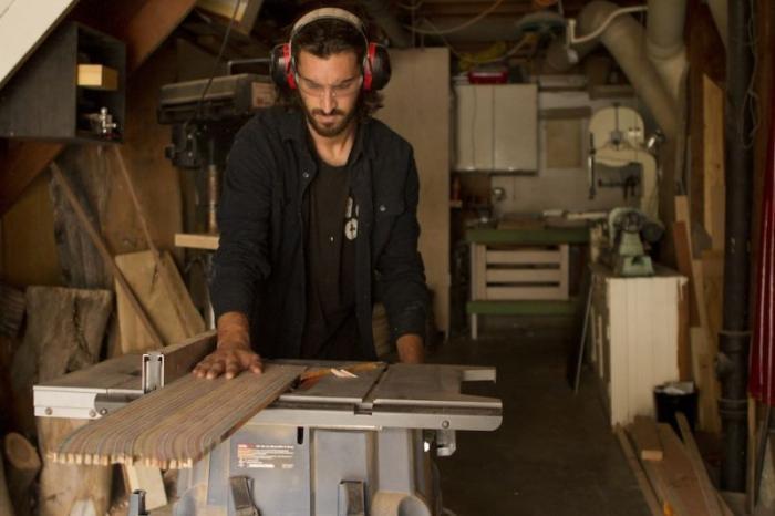 Создание электрогитары из старых скейтбордов (7 фото)