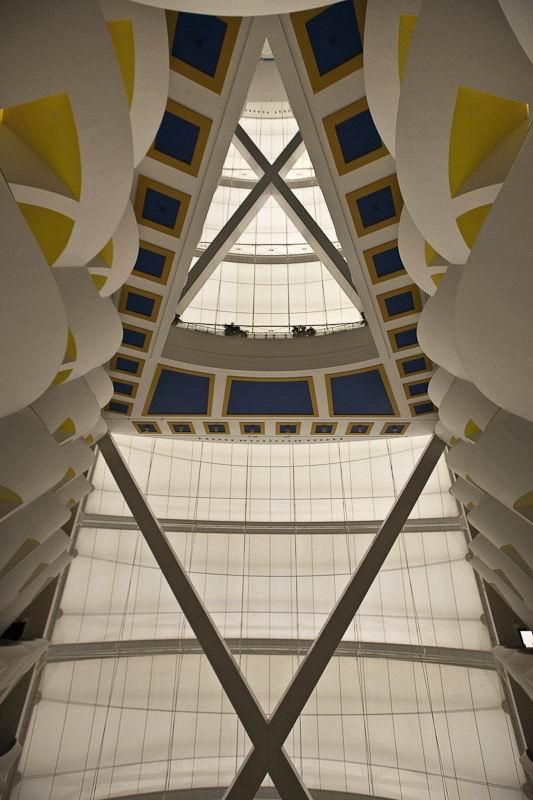 Шикарная гостиница в Дубае (34 фото)
