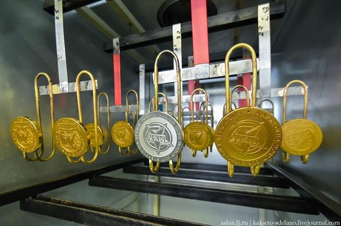 Как изготавливают медали для чемпионов