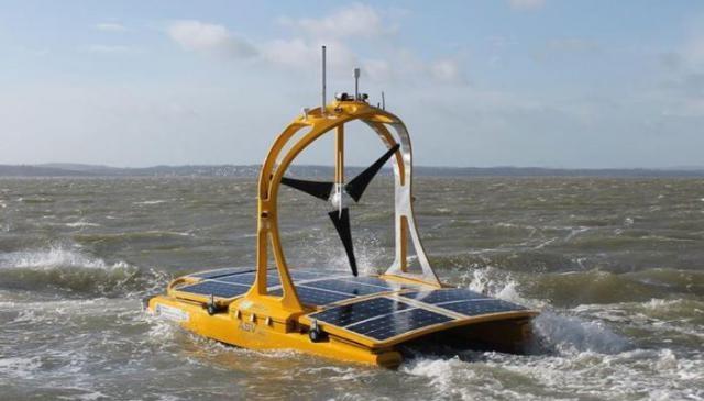Катамаран, работающий на солнечной энергии
