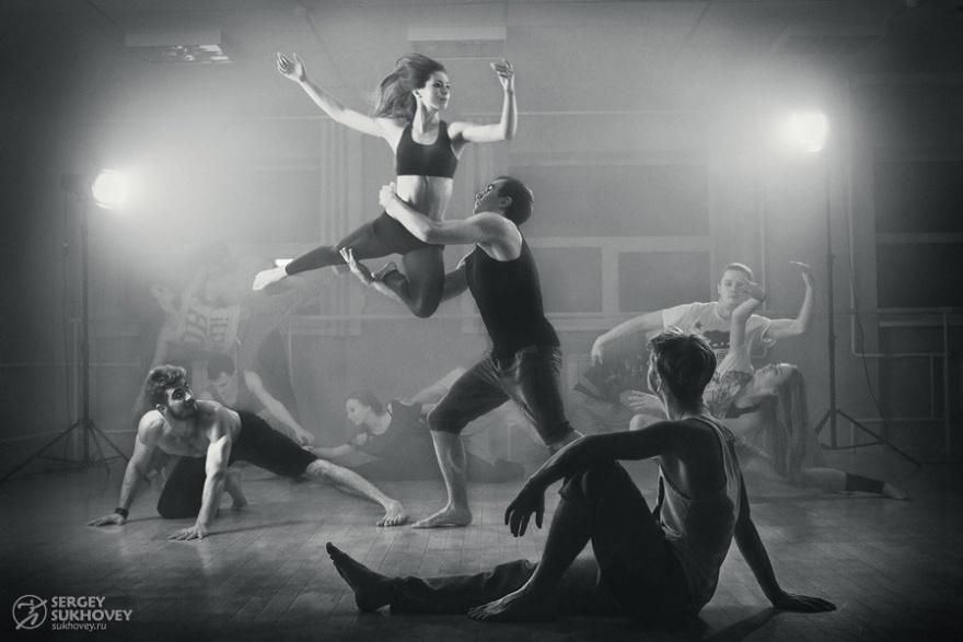 Необыкновенные фотографии танцоров (12 фото)