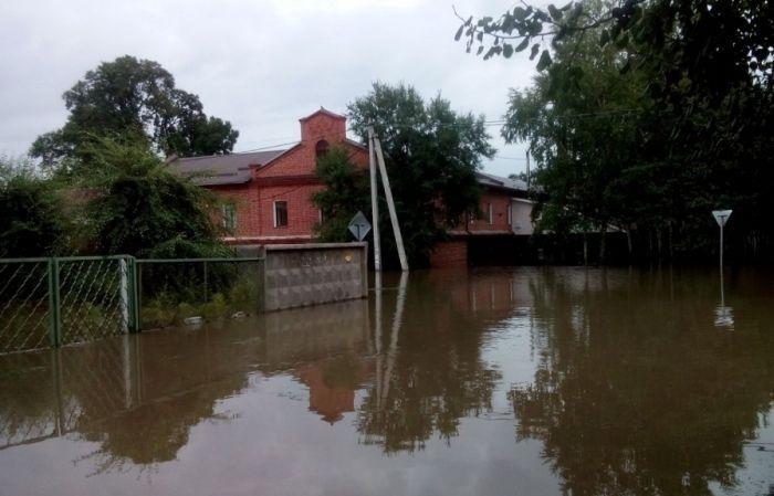 Затопленные дома и улицы Уссурийска (19 фото)