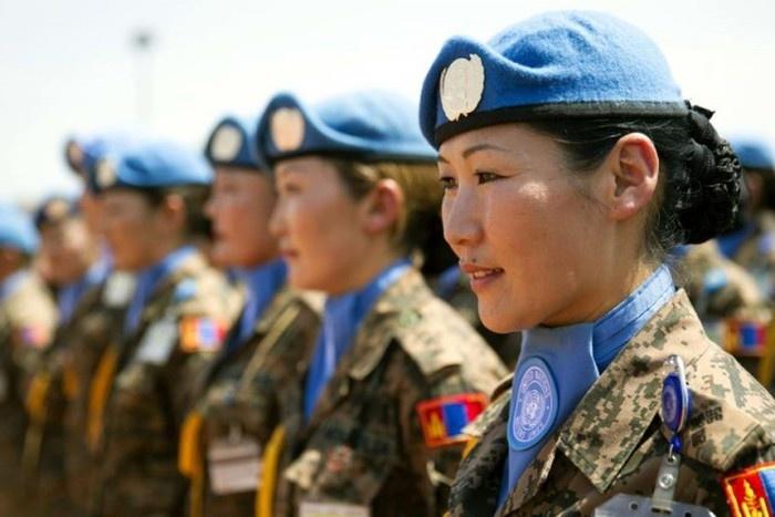 Девушки Монголии (22 фото)