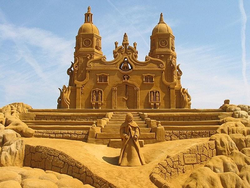12 красивых скульптур из песка
