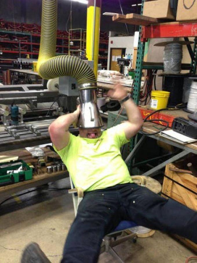Работа скучной не бывает! (23 фото)