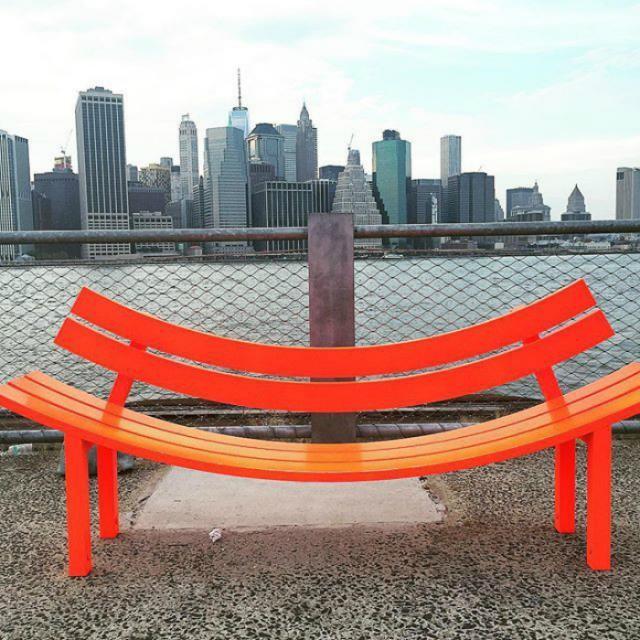 Необычные скамейки (18 фото)