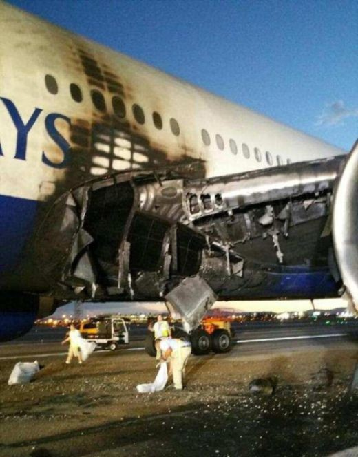 Пилот спас от гибели 170 человек (6 фото)