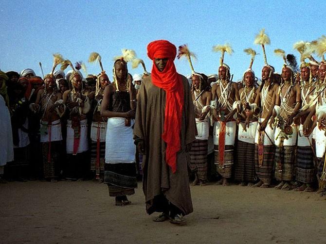 Необычные ритуалы ухаживания разных народов