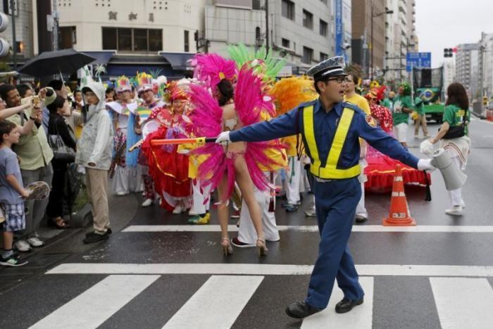 Японский карнавал самбы (13 фото)