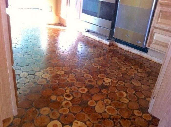 Необычный пол из деревянных дисков (10 фото)