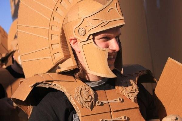 Битвы картонных воинов (4 фото + видео)