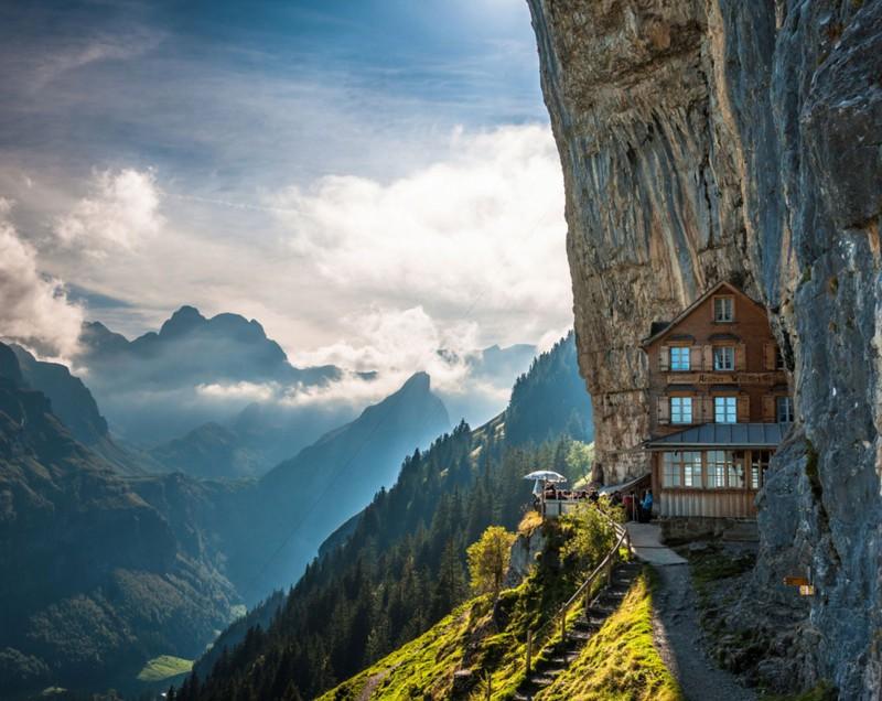 Необычные постройки от безумных архитекторов