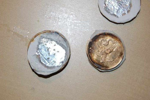 Сделай сам батарейку из монет (6 фото)