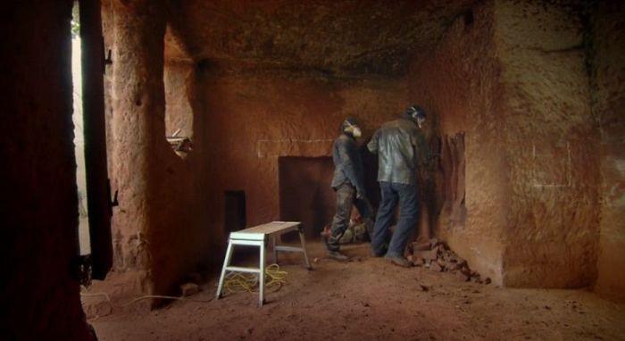 Дом в скале (14 фото)