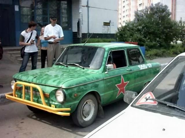 Тюнингованный «Запорожец» (15 фото)
