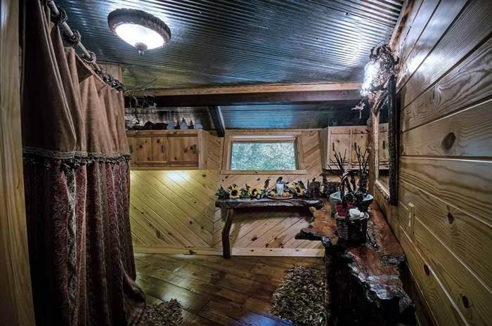 Лесной домик за 135 000 долларов (17 фото)