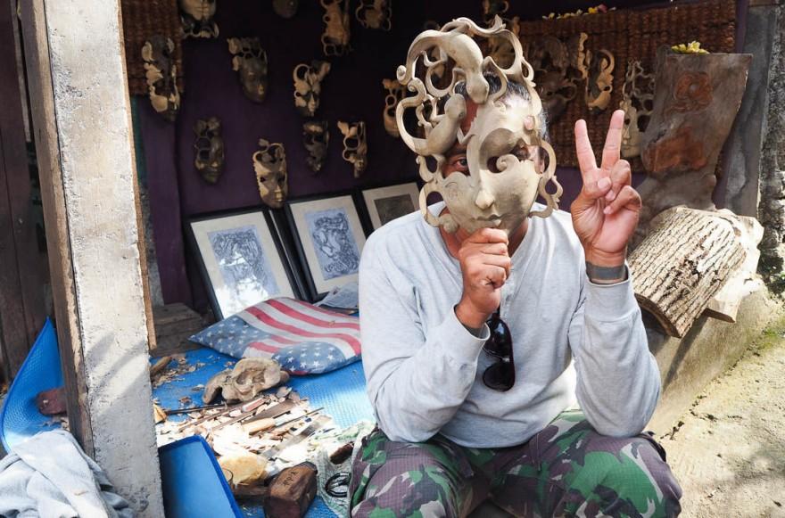 Опрос жителей Бали о России и русских
