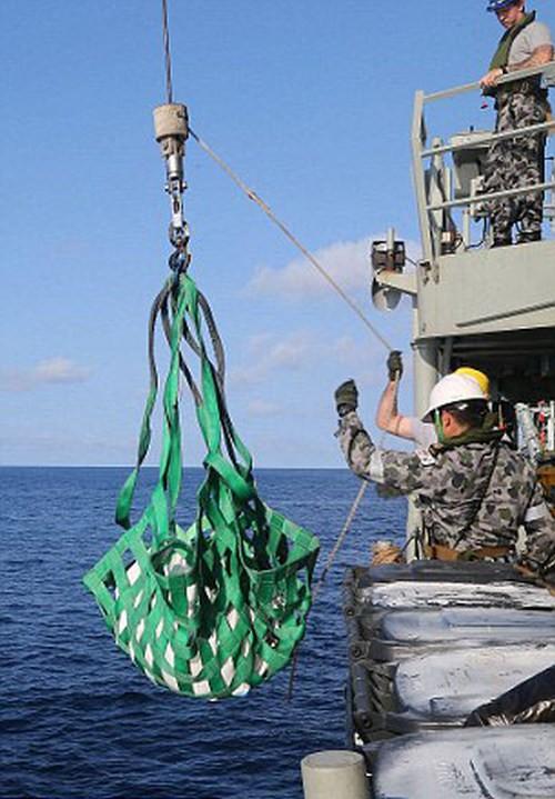 427 кг героина уничтожили   ВМС Австралии (6 фото)