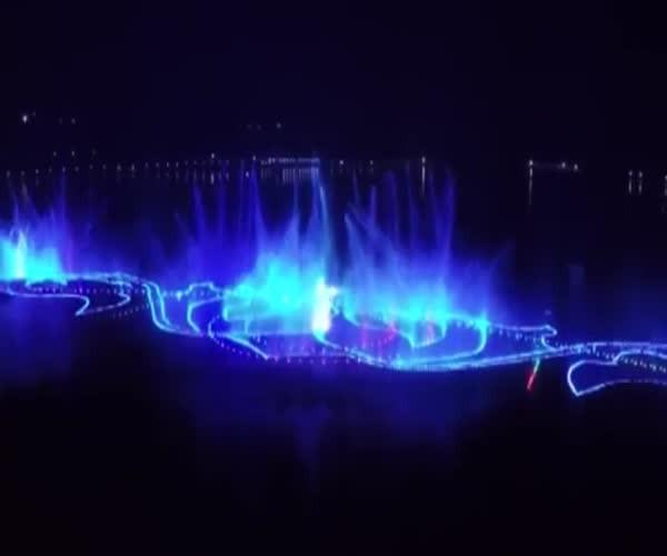 Самый большой в мире фонтан открыли в Грозном