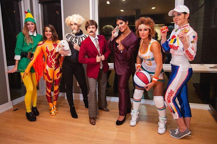 Забавные костюмы и оригинальные образы на Хэллоуин (42 фото)