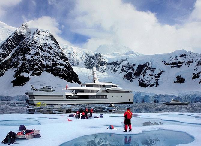 Голландская яхта-ледокол класса люкс
