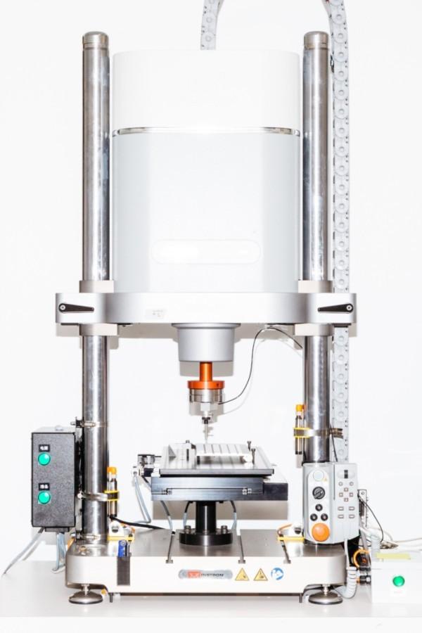 Тестирование прототипов новых устройств в лаборатории Apple (12 фото)