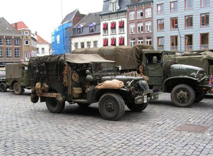 Армейские внедорожники с 1938 года и до наших дней (28 фото)