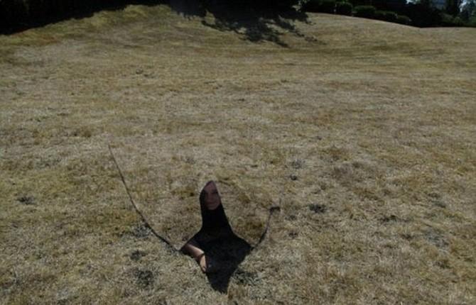 В Америке ученые создали плащ-невидимку (5 фото + видео)