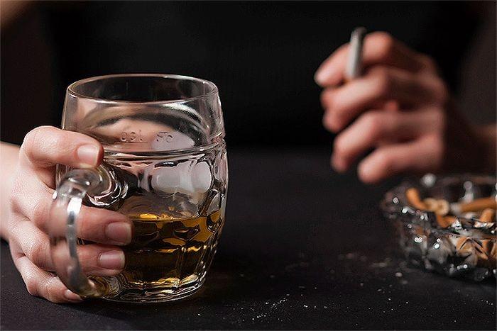 Сколько жизни отнимают у нас вредные привычки (2 фото)