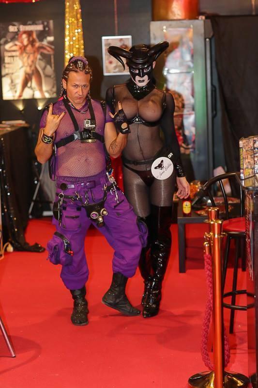 Крупнейшая в мире ярмарка эротики открылась в Берлине