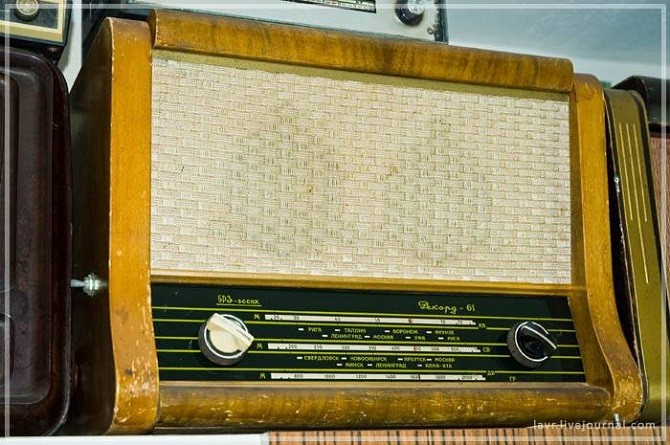 Коллекция старинных магнитофонов