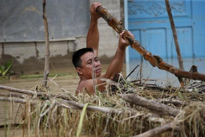 Тайфун Коппу обрушился на Филиппины (42 фото)