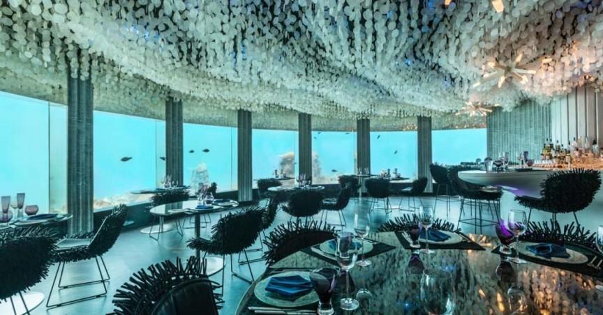 Впечатляющие подводные отели со всего мира (11 фото)