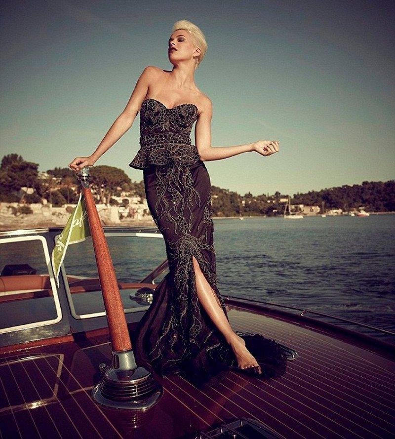 Самые необычные и невероятно дорогие платья (16 фото)