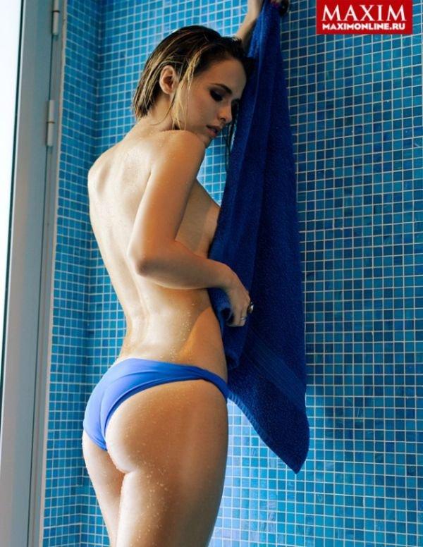 В свежем номере мужского журнала Maxim актриса Любовь Аксенова (11 фото)