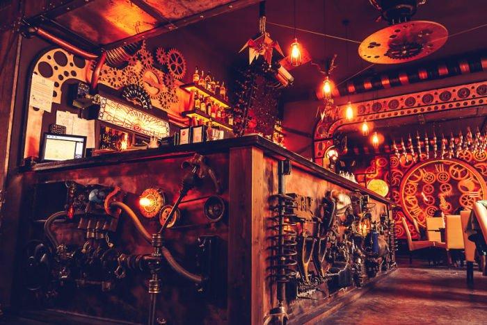 Cтимпанк-бар открылся в Румынии (12 фото)
