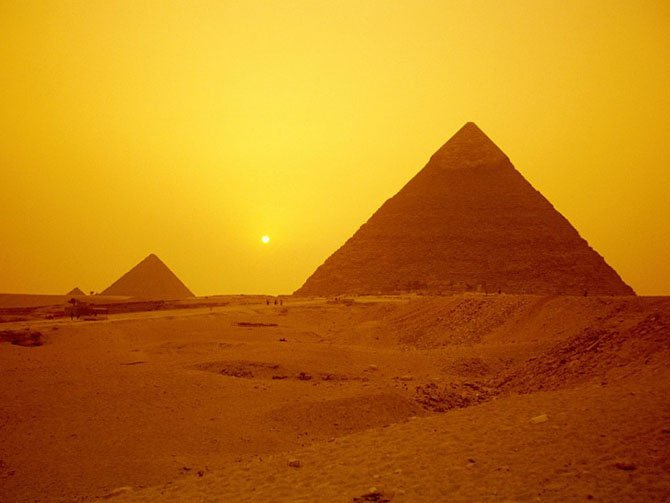 Исторические факты и нелогичные объяснения о пирамиде Хеопса