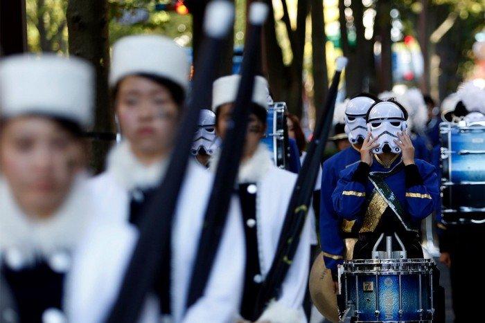 Как Японцы празднуют Хэллоуин (16 фото)