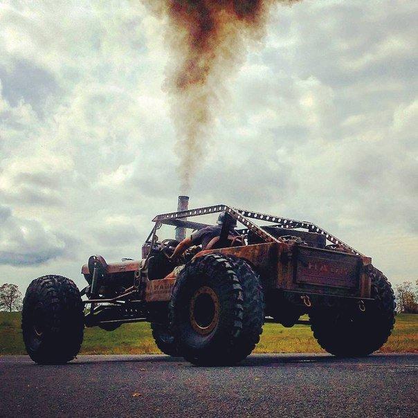 Автомобиль на случай зомби-апокалипсиса (10 фото)
