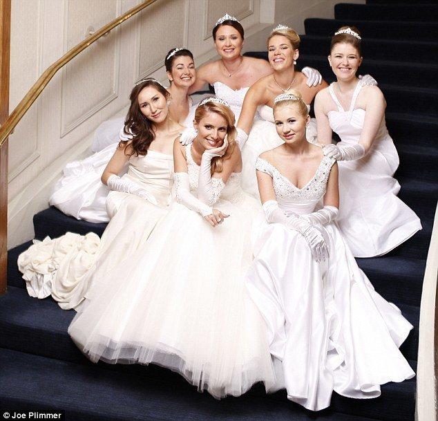 Русские дебютантки на балу в Лондоне