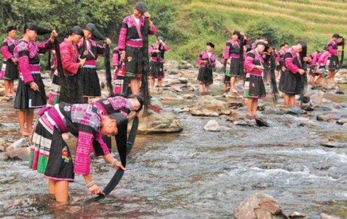Деревня в Китае с самыми длинноволосыми жительницами в мире (10 фото)