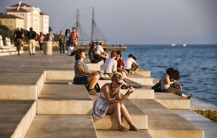 На берегу Адриатического моря играет «морской орган» (4 фото + видео)