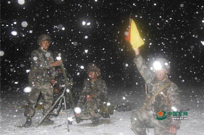 Учения армии в Китае (26 фото)