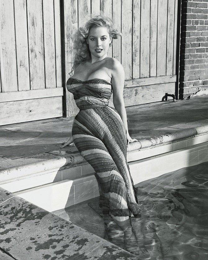 Красотка из 50-х годов, которая была до Мэрилин Монро