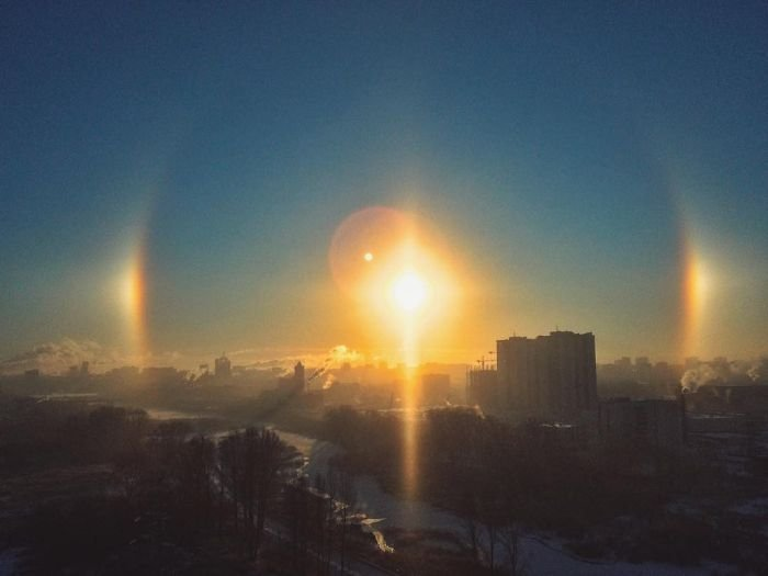 В небе над Челябинском появилось «три солнца»  (9 фото)