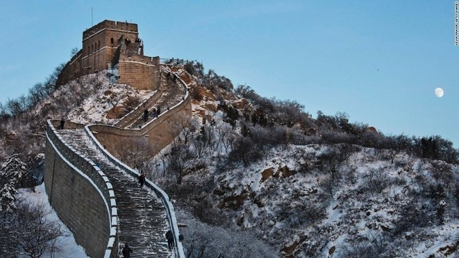 Китайскую стену накрыло первым снегом